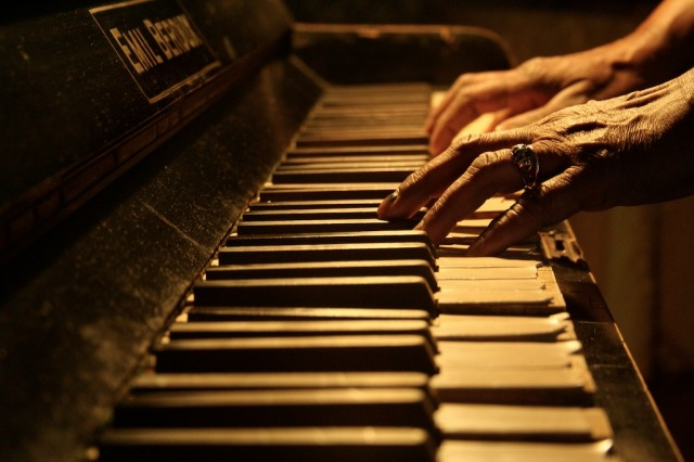 old_piano_old_hands_by_a_f_x