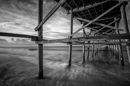 sunrise-at-the-pier-in-black-and-white-nick-noble