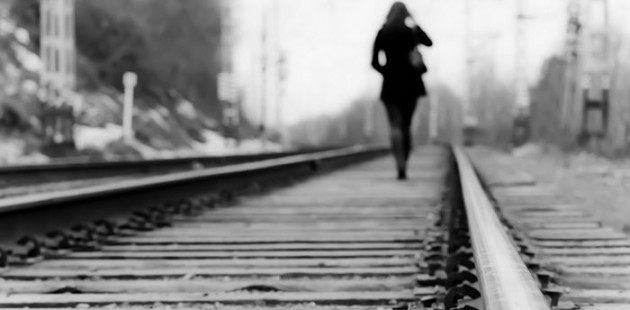 walking-away-train-tracks-630x310